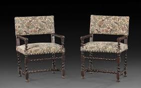 chaises louis xiii paire de chaises a bras louis xiii en bois de noyer piètement