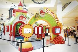 hgtv s santa hq experience brings festive family to 15