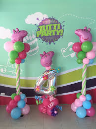 pig balloons best 25 peppa pig balloons ideas on peppa pig pinata