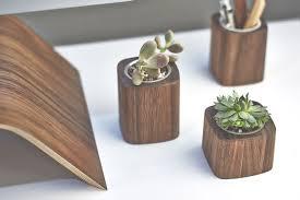 cool desk accessories twuzzer