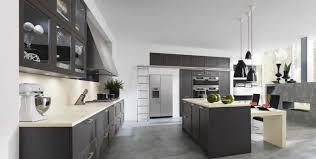 grand placard cuisine grande cuisine en chêne avec meubles suspendus photo 19 20 le