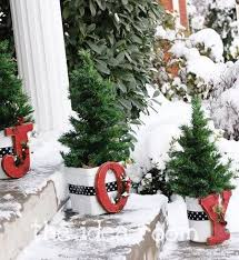 christmas outdoor decor most loved outdoor christmas decorations on all about