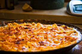 file baked macaroni and cheese 1 jpg wikimedia commons