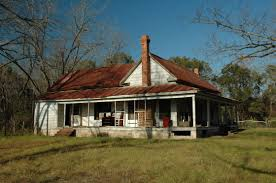 one day my home will look like this old southern farmhouse maybe