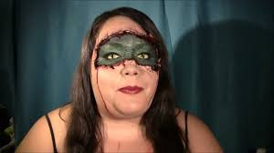 half halloween makeup half human half reptile halloween makeup look youtube