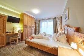 Schlafzimmer In Angebot Last Minute Angebote Im Kinderhotel Ellmauhof österreich