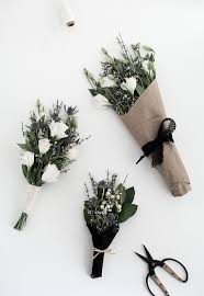 Flower Arrangement Techniques by 3 Easy Ways To Wrap Flowers Homey Oh My