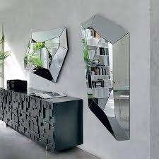 wandspiegel wohnzimmer moderne wandspiegel einzigartige wanddekoration ideen homdeko
