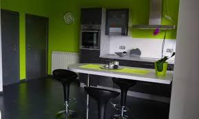 cuisine besancon déco cuisine grise mur vert anis 29 besancon cuisine grise