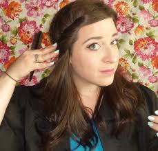 how to wear hair behind the ears 3 chic easy ways to wear your hair with a graduation cap