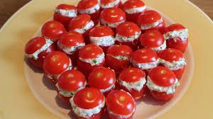 cuisiner des tomates cerises recette pour l apéritif tomates cerises au chèvre frais et ciboulette