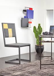 sur bureau design and manufacturing furnitures les pieds sur la table
