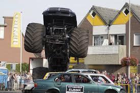 horror unfall bei monster truck show wz