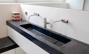umbau badezimmer bad umbau sanierung schafft viel platz selbst de