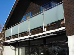 edelstahl balkon mit glas aus edelstahl satiniertes glas