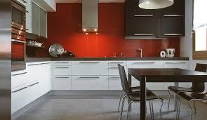 meubler une cuisine amenager une cuisine de 6m2 maison design bahbe com