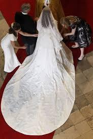 kate middleton wedding dress 10 things you didn t about kate middleton s wedding dress