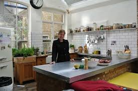 jamie at home kitchen design famous kitchens get the look jamie oliver tv chefs edition