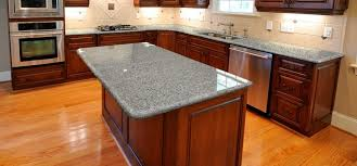 what color granite looks best with cherry cabinets what color quartz countertops go with cherry cabinets