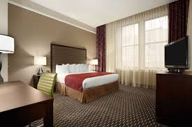 hotels with 2 bedroom suites in st louis mo downtown hotel renovations explore st louis