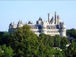 chambre d hote pierrefonds le château de pierrefonds une étonnante forteresse médiévale