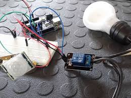 motion sensor light doesn t turn on connect a relay and pir motion sensor to an arduino tutorial youtube