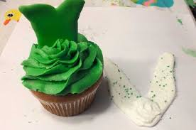 tinkerbell cupcakes sisters crafting