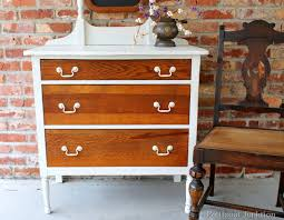 Antique Oak Bedroom Furniture How To Use Off White Paint To Update Oak Furniture