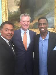 Answer Man Dwight Gooden Talks - mayor honors doc gooden with key to the city the bronx chronicle