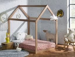 chambre cabane enfant lit enfant cabane évolutif capsule hêtre extension matelas 90x140 190