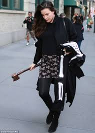Lord Rings Halloween Costume Pregnant Liv Tyler Axe Hand Steps