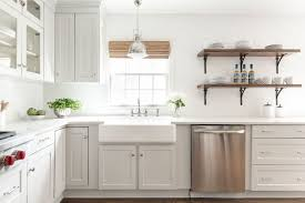 kitchen cabinets with white quartz countertops 17 beautiful quartz kitchen countertops