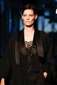 What To Wear To A Cocktail Party Male - givenchy spring 2016 ready to wear collection photos vogue