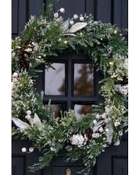 shopping special battery operated wreath 24