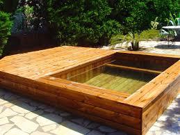 petite piscine enterree nos réalisations de jacuzzis en bois