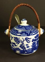 willow pattern jam pot 452 best blue willow china images on pinterest blue willow china
