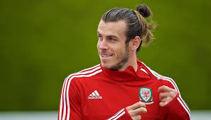 football hairstyles 10 present footballers with the best hairstyles what s the hype
