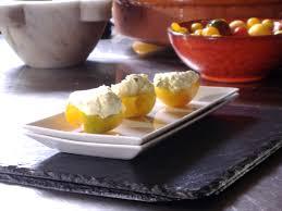 ardoise de fromage tomates farcies au fromage de chèvre et cari par gérard vives di