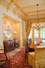 Decorating Ideas With Antiques Best 25 Antique Dining Rooms Ideas On Pinterest Antique Dining