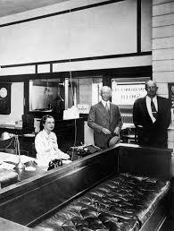 standing desk 1906 by frank lloyd wright