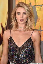 rosie huntington side parted lob rosie huntington whiteley is a vision at mad max premiere mad