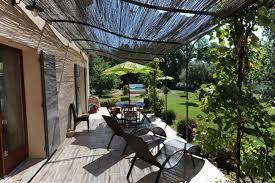 jardin paysager avec piscine ventes a vendre près d u0027un beau village perché villa contemporaine