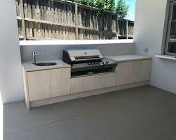 taille moyenne cuisine carrelage cuisine exterieure inspiration pour un porche avec une