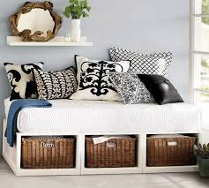 how to turn a twin bed into daybed best 25 sofa ideas on pinterest