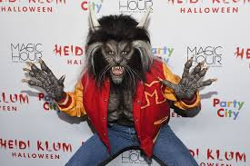 heidi klum u0027s halloween costume goes dramatic as u0027thriller