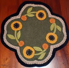 547 best penny rugs images on pinterest penny rugs wool felt