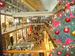 christmas decorations picture of the shoppes at marina bay sands