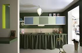 cuisine spacio fly couleur dans la cuisine osez le vert pomme vert gazon vert olive