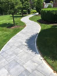 Patio Paving Stones by Best 25 Paver Walkway Ideas On Pinterest Backyard Pavers Front