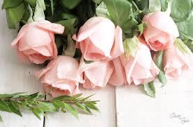 fleurs mariage diy couronne de fleurs mariage joliment fleurie la mariée sous